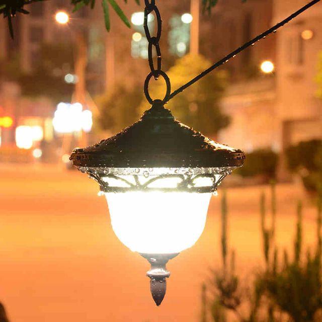 Claves para iluminar su jardín con luz artificial