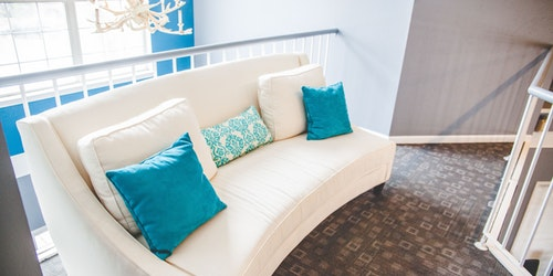 como-limpiar-sofa-tela-en-casa