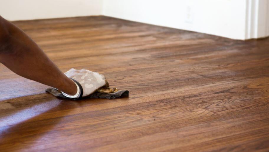 consejos para cuidar los suelos de madera